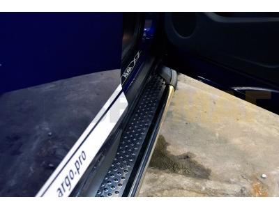 Пороги алюминиевые MAYDOS для Suzuki Grand Vitara 3 двери 2005-2015